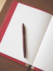 方眼ノートとペン